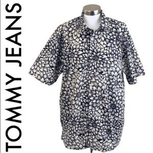 TOMMY JEANS BLACK AND WHITE BUTTON DOWN SIZE L